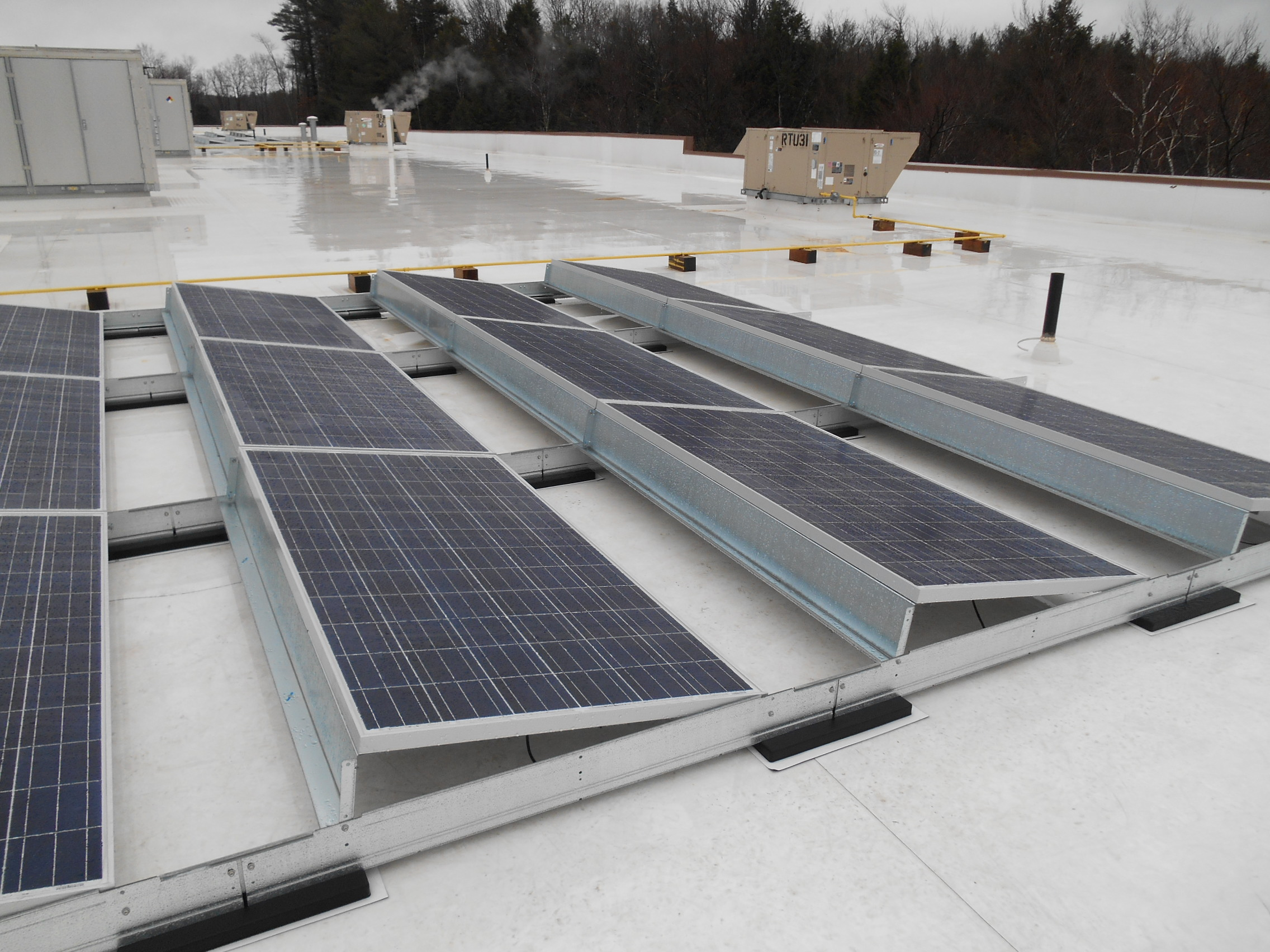 New Racking System For Rooftop Solar Panel Installations